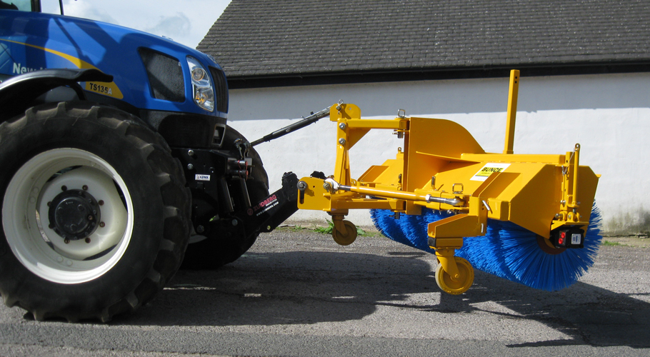 Mounted Hydraulic Sweeper Front Or Rear Of A Tractor